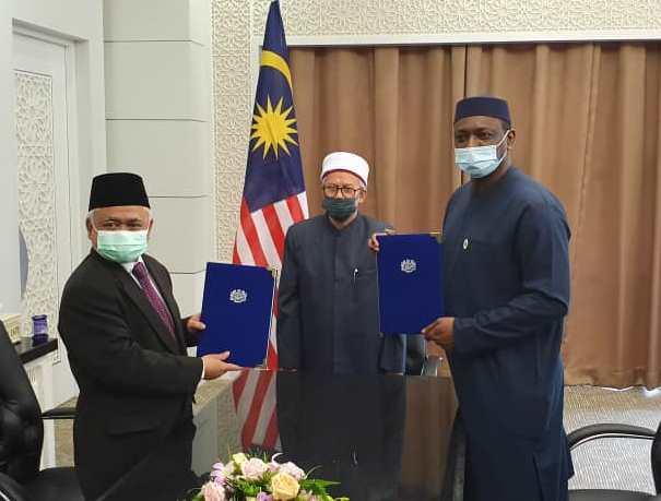 امضای توافقنامه همکاری میان IIFA و گروه توسعه اسلامی مالزی